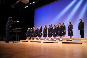 アトラクションでの菊陽中学校合唱部の合唱